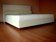 1a9267cc3 Vyrobíme čalúnený nábytok na mieru, postele a taburety podľa Vašich  predstáv. Výbrať si môžete z nádherných poťahových látok, kože, koženiek,  ...